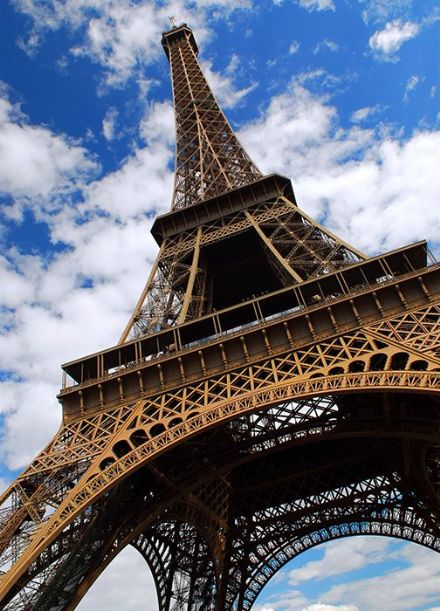 Eiffel Tower blue sky - Paris France wall mural